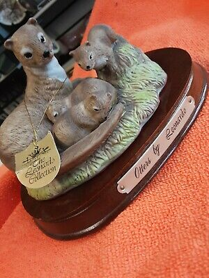 LEONARDO COLLECTION OTTER FAMILY FIGURE FIGURINE GROUP ANIMAL ORNAMENT with Base
