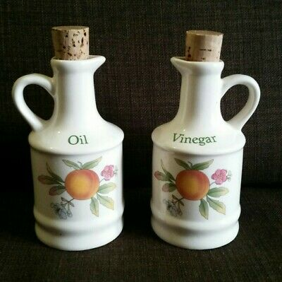 Vintage Peaches and Cream Vinegar and Oil Set In Very Good Condition