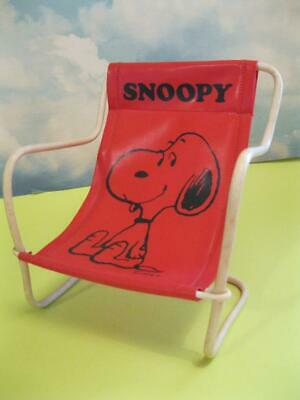 Nude beach snoopy Young woman