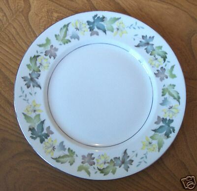 Royal Albert Dinner Plate - yellow flowers with leaves