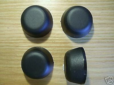 SET OF FOUR LAND ROVER DEFENDER 90  HUB CAPS FTC5414