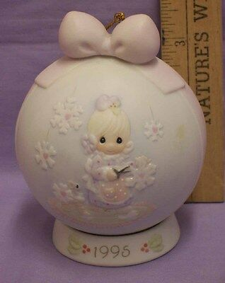 1995 Precious Moments He Covers The Earth Ornament w/ Base Enesco in Box