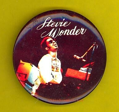Stevie Wonder 1977 frying pan pinback button badge y