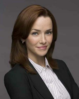 Annie Wersching  Renee Walker 24 8 X 10 Photo