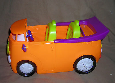 DIVA STARZ  DOLL PLAY CAR   by MATTEL  2001  orange      smoke free home