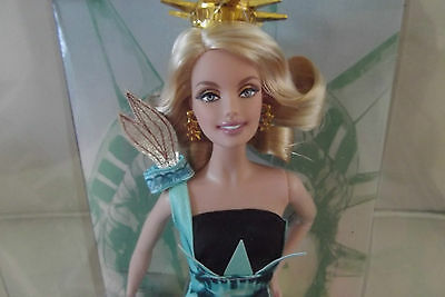 Dolls of the World Landmark Collection Statue of Liberty New York Barbie Doll