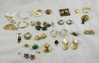 Lot of 14 Pairs of Earrings and Random Singles Gold Tone Metal Post Stick  i1p83