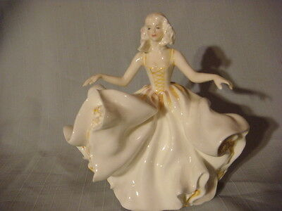 Royal Doulton Figurine Sweet Seventeen HN 2734  1974 Bone China made in England