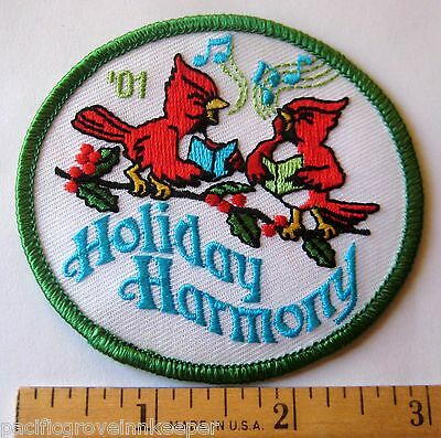 Girl Scout 2001 HOLIDAY HARMONY PATCH Christmas Caroling Singing Cardinals Birds