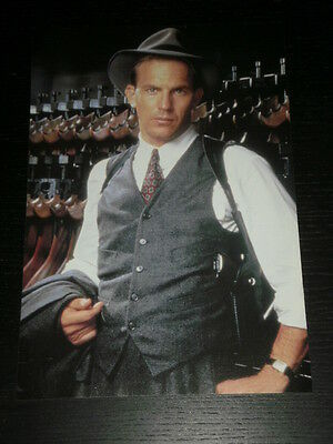 Kevin Costner - Celebrity Clipping 1 Full Page - Spanish Magazine - 0804