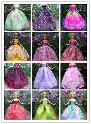 Lots 30 Pcs Handmade Barbie Clothing Clothes Dresses grows & shoes & hangers