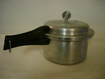 VINTAGE MIRRO MATIC ALUMINUM PRESSURE COOKER MODEL 394M 4 QT #1159 WITH WEIGHT