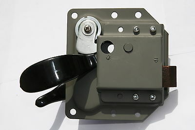 LAND ROVER SERIES FRONT DOOR HANDLE WITH LOCK AND KEYS RIGHT HAND