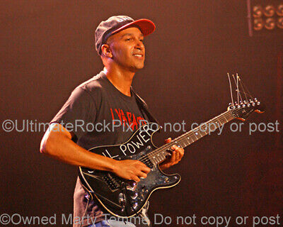 Tom Morello Autographed Signed 8x10 Ratm Photo Uacc Rd Aftal Coa Making Things Convenient For Customers Music Photographs