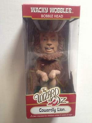 Funko Wacky Wobbler Cowardly Lion Emerald Green Chase Wizard of Oz Bobblehead