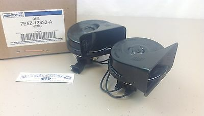 2006-2012 Ford Fusion High and Low Pitch HORN Assembly OEM 7E5Z-13832-A