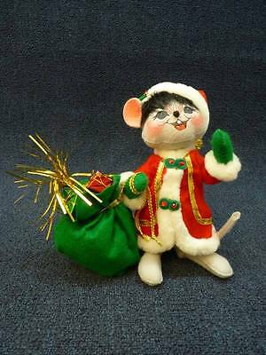 "2008 Annalee Christmas Doll  -  Mouse Santa With Bag of Presents 10"" (B365)"