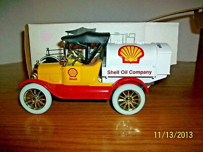 1992 Ertl Shell 1918 Tanker Bank in 1/25 scale new in box