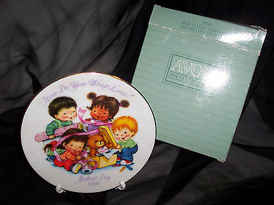 1992 MOTHER'S DAY Collector PORCELAIN PLATE - Avon  ~NIB~ (#5281r)