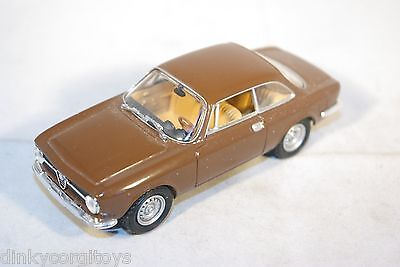 Solido Alfa Romeo Giulia Gt Brown Mint Condition