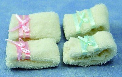 Dolls House Miniature 1/ 12th Scale Set of 4 Bathroom Towels