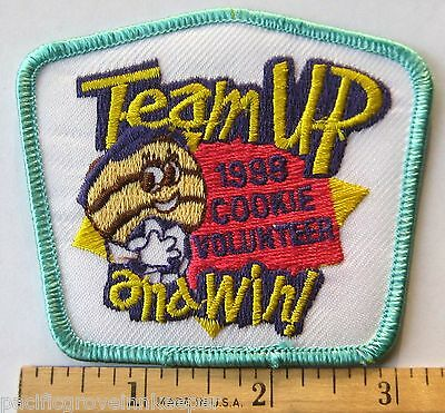 Girl Scout 1998 COOKIE SALE PATCH Team Up & Win Samoa VOLUNTEER Adult Sales Help
