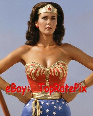 LYNDA CARTER  -  Sexy Superhero: Wonder Woman  -  8x10 Photo #6