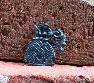 Interesting Gothic pewter part of a pilgrim badge hive 15th,C,Rotterdam medieval