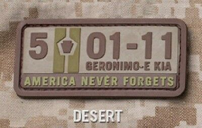 5-01-11 AMERICA NEVER FORGETS PVC TACTICAL USA MORALE BADGE DESERT VELCRO PATCH