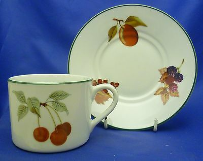 A Royal Worcester 'evesham Vale' Tea Cup And Saucer (Straight Sided)