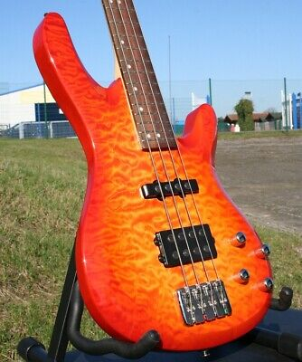 Acepro Edel- E Bass 4-Saiter Aktiv, Quilted Maple Top, Ahorn Hals, Linde Body