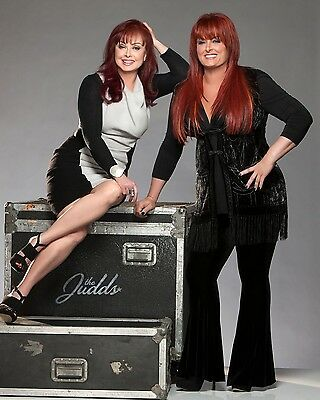 The Judds / Naomi & Wynonna 8 x 10 / 8x10 GLOSSY Photo Picture IMAGE #2