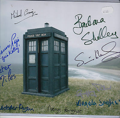 Signed Dr Who, Companions and actors x 9 - COA