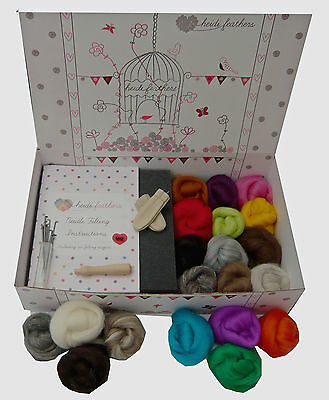 Heidifeathers® Boxed Needle Felting Kit - 'Merino Wool + Natural Wool'