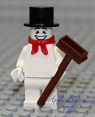 NEW Lego Christmas SNOWMAN Minifigure w/Broom Frosty Top Hat Red Santa Scarf