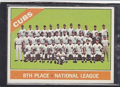 """1966  CHICAGO CUBS - """"TEAM PHOTO"""" - Topps Baseball Card # 204 - Vintage"""
