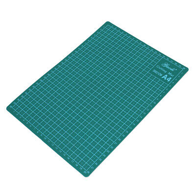 Green Plastic Shell Angle Scale Grid Lines Non Slip A4 Cutting Mat 300mmx220mm