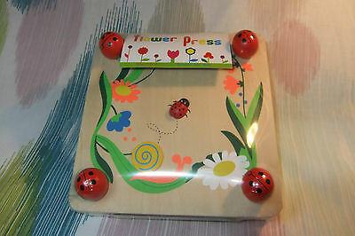 Children's Wooden Ladybird Flower Press! Craft, Dry & Preserve Flowers!