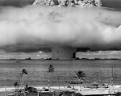 Nuclear Testing / ATOMIC BOMB - World War II 8 x 10 GLOSSY Photo Picture