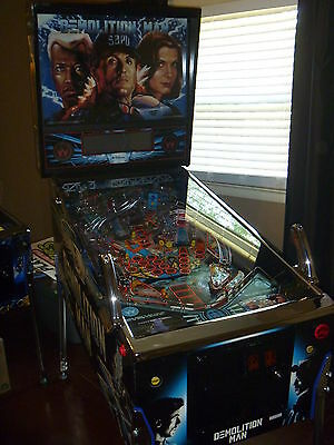 Demolition Man Pinball Machine in Excellent Condition New Chrome and shopped