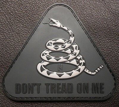 3D PVC DON'T TREAD ON ME TACTICAL USA ARMY US MILITARY MORALE SWAT VELCRO PATCH