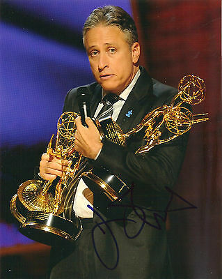 JON STEWART SIGNED 8X10 PHOTO PROOF COA AUTOGRAPHED THE DAILY SHOW EMMY