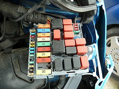 ford ka under bonnet fuse box 10 reg 15 00 picclick uk rh picclick co uk ford ka fuse box diagram 2004 ford ka fuse box diagram 2004