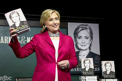 HILLARY CLINTON SIGNED HARD CHOICES BOOK 1/1 WITH BARNES & NOBLE PHOTOS & FLYERS