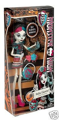Monster High SCARITAGE SKELITA CALAVERAS DOLL and FASHION ACCESSORIES NEW