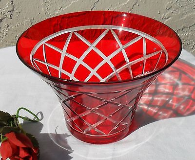 GORGEOUS RUBY RED CUT TO CLEAR GLASS DIAMOND PATTERN CENTER BOWL