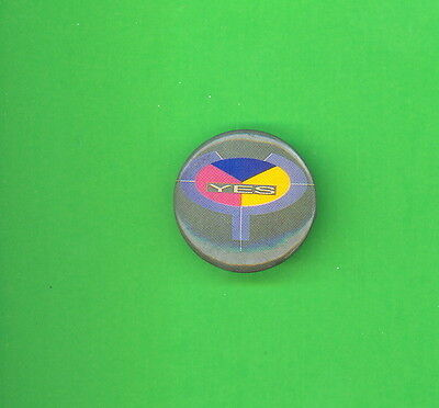 YES uk 1983 pinback button badge HH ww