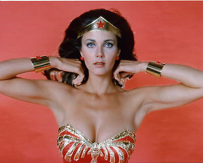 LYNDA CARTER unsigned 8x10 color photo           SEXY POSE AS WONDER WOMAN