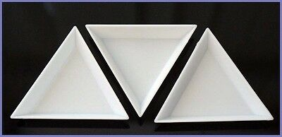"""50 White Plastic Sorting Trays Scoops Triangular for Beads Gems Crystal Nails 3"""""""