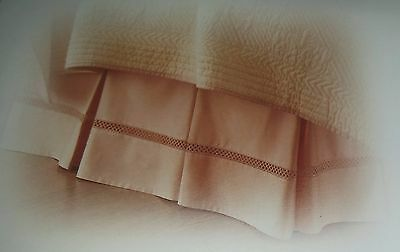 Court of Versailles Exquisite Embroidery Lattice Bedskirt Queen King Apricot NWT